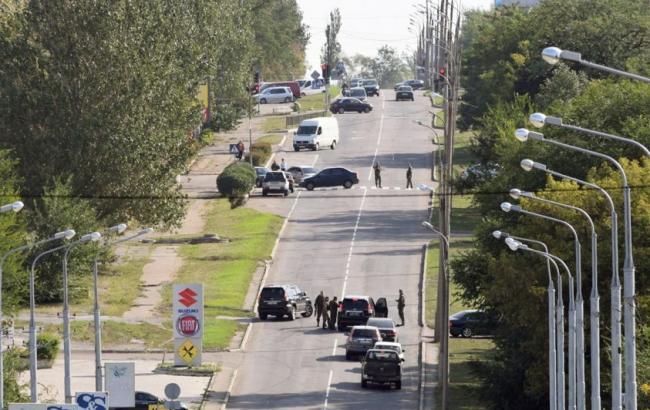 В «ДНР» показали задержанных «диверсантов» ибомбу- бревно